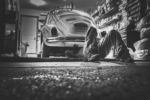 car-repair-362150_500