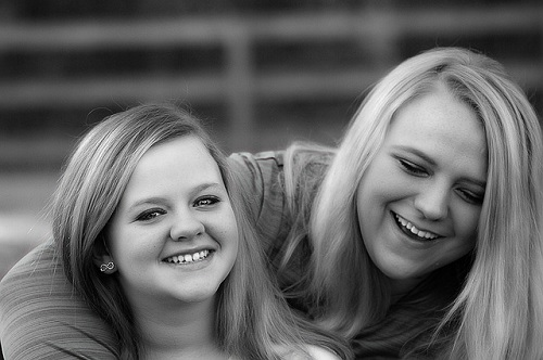 sisters-314103_500