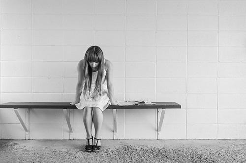 worried-girl-413690_500
