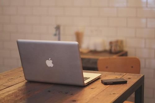 macbook-336692_500